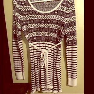 Motherhood Maternity sweater top